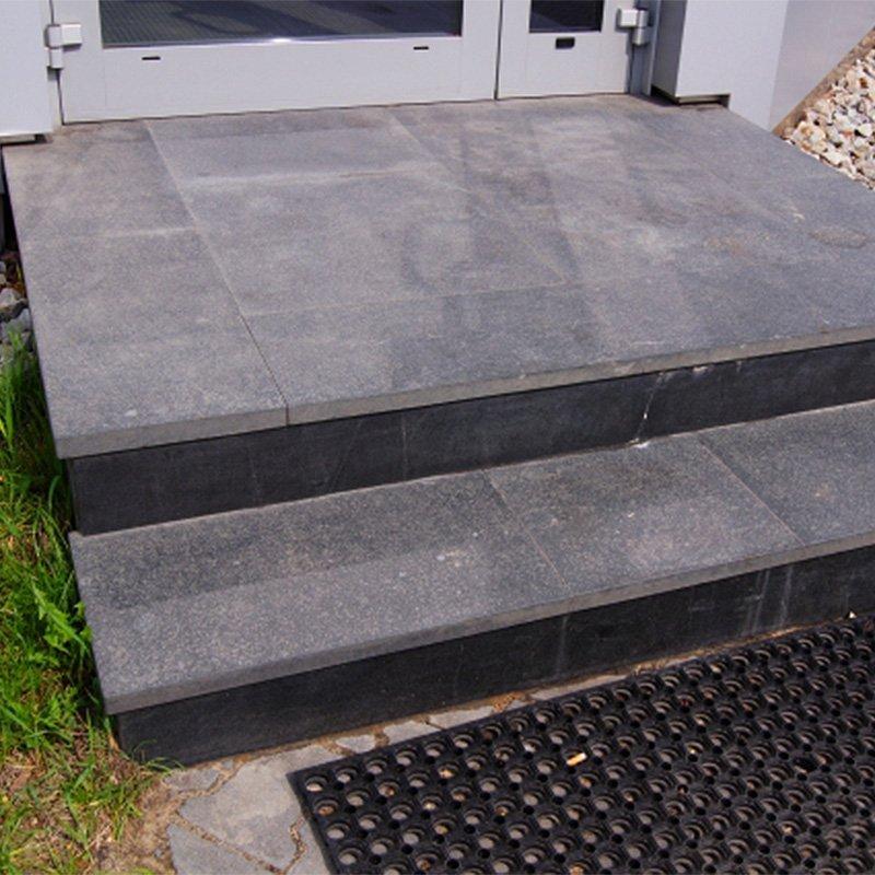 Groovy Schody kamienne z granitu - wewnętrzne oraz zewnętrzne - Danstone LI39